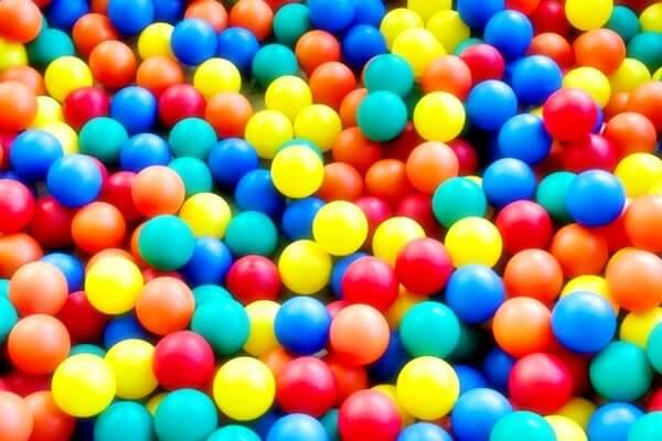 6.室内が遊び場になるおもちゃ~ボールプール・テント~